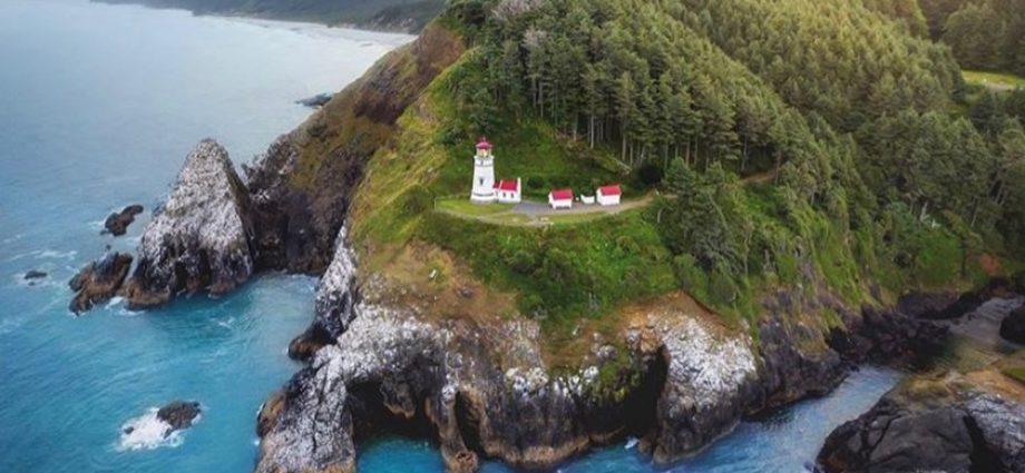 Oregon Coast - Hecta Light House -photo by @davidmrule