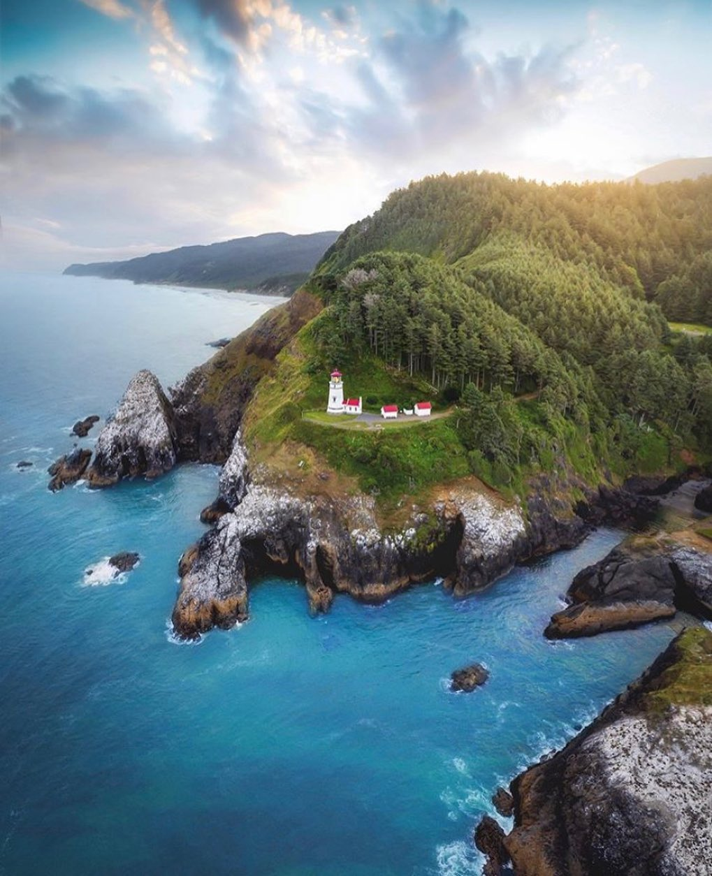 Oregon Coast - Hecta Light House -photo by @davidmrule