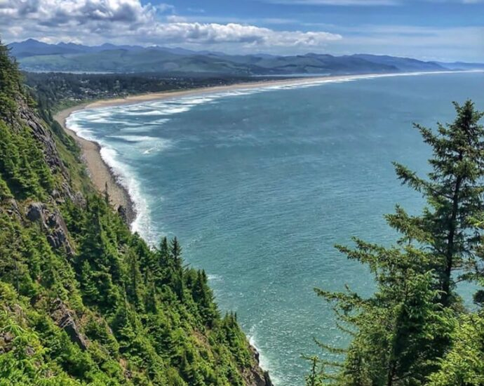 Beautiful Oregon Coast - photo by @leni.jb