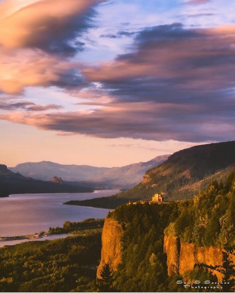 Columbia River Gorge - photo by @santu2photography