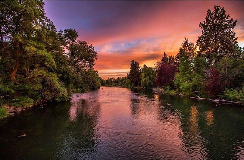 Deschutes River - photo by @tonitstop