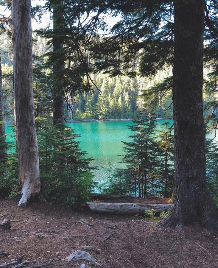 Wahtum Lake - photo by @the.guidebook